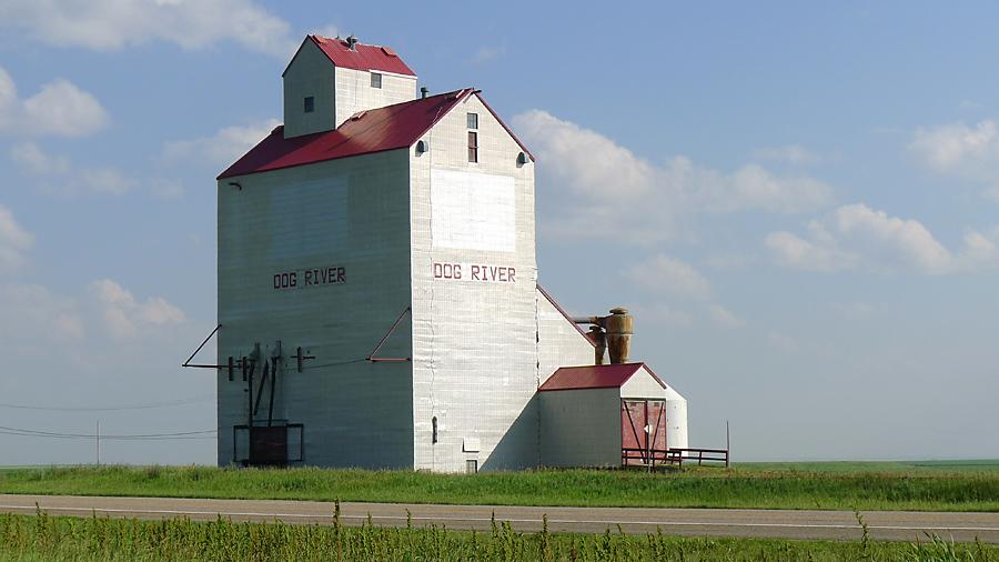 Dog River grain elevators