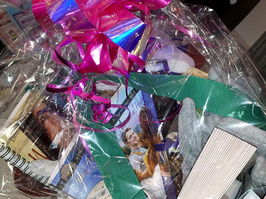 XOX VALENTINES gift basket