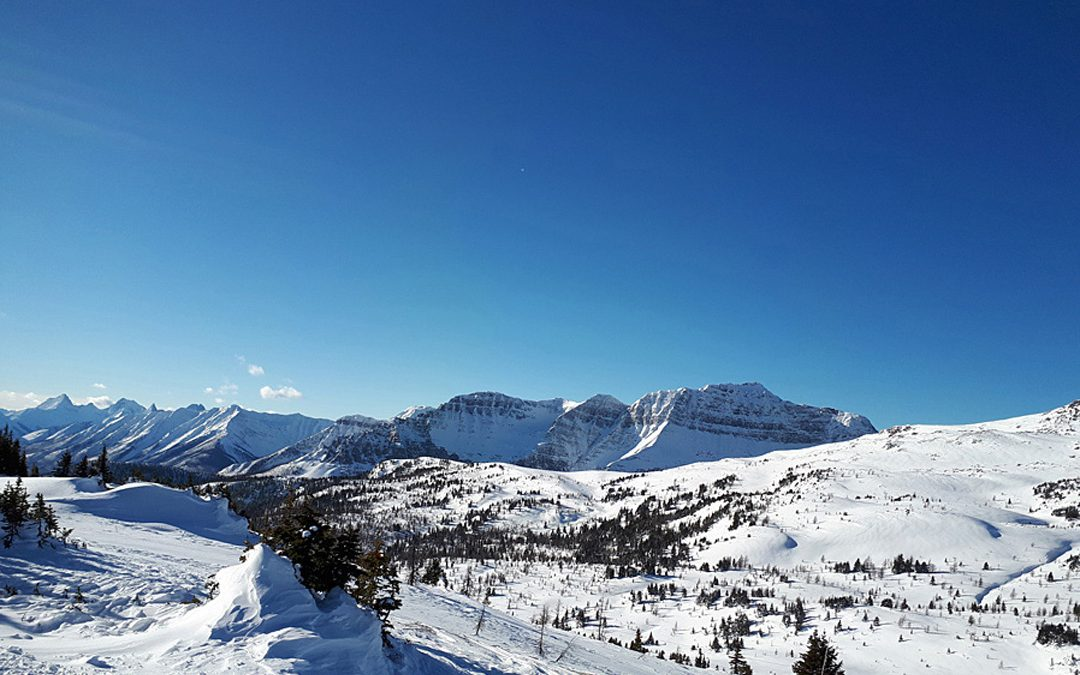 Skiing at Sunshine Village with COVID-19 restrictions